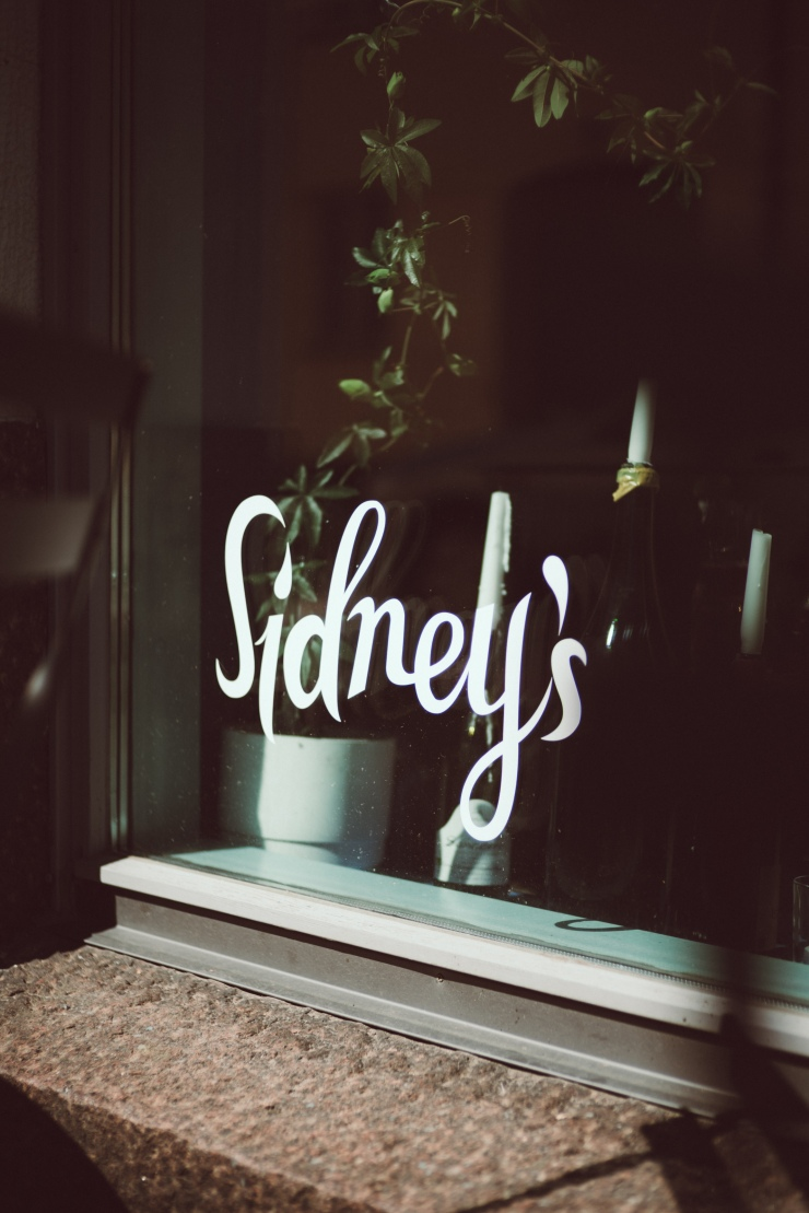 Sidneys-00419